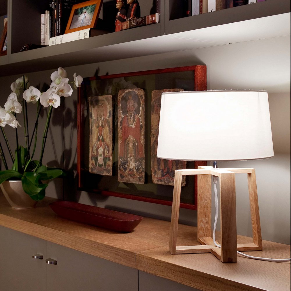 Applique Bois Et Tissu : lampe de table en bois avec abat jour en tissu blanc Mod?le BLISS